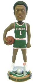 Milwaukee Bucks Oscar Robertson Bobble Head
