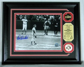 Carlton Fisk 1975 World Series HR Autographed Photomint w/ 2 24KT Gold Coins