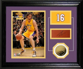 Pau Gasol Player Pride Desk Top