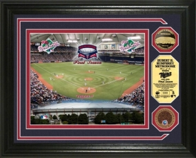 Hubert H. Humphrey Metrodome Final Season 24KT Gold and Infield Dirt Coin Photo Mint