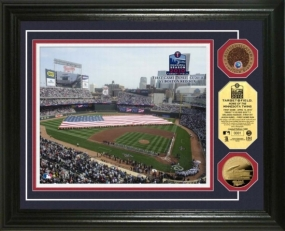 Target Field 24KT Gold & Infield Dirt Coin Photo Mint