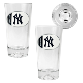 New York Yankees 2pc Pint Ale Glass Set with Baseball Bottom