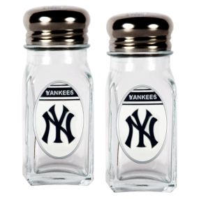 New York Yankees Salt and Pepper Shaker Set