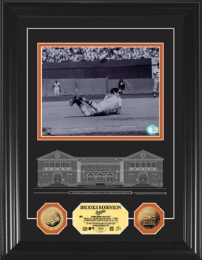 Brooks Robinson HOF Archival Etched Glass 24KT Gold Coin Photo Mint