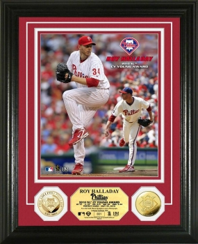 Roy Halladay '10 NL Cy Young Award Winner 24KT Gold Coin Photo Mint