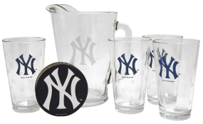New York Yankees Pitcher Set