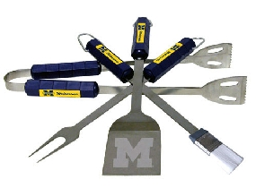 Michigan Wolverines BBQ Tool Set